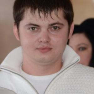 Виталий, 31 год, Купино